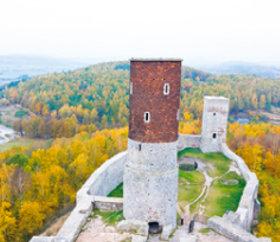 画像:10月 ヘンチニ(ポーランド) ファンタジーワールド(B) 2018年カレンダー