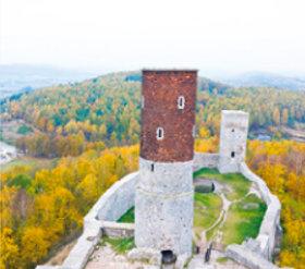 画像:10月 ヘンチニ(ポーランド) ファンタジーワールド(A) 2018年カレンダー
