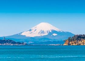 画像:3月 江の島と富士山(神奈川) 富士十二景 2018年カレンダー