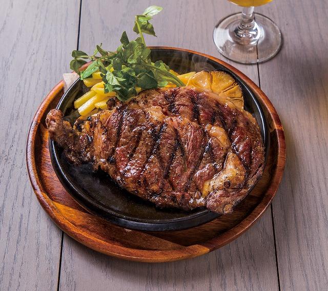 """アフター5は""""肉""""から楽しむ!極上「リブアイロールステーキ」を毎日1,000円で提供!『ハッピーアワーステーキ』スタート!【赤坂 THE PUBLIC RED AKASAKA】"""