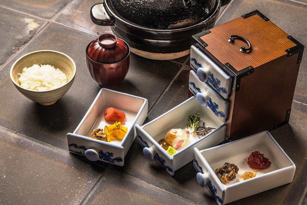~こだわりの土釜飯を始め心尽くしの日本料理の真髄をお届けして一年~『隠れ房 品川 四阿』一周年「春会席」情報
