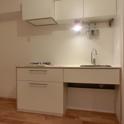 キッチンはガス2口タイプです。