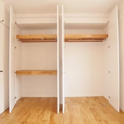 通路側の6帖洋室:収納量は通常の2倍!!