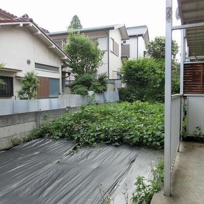0帖程の庭が付いてます。家庭菜園可能