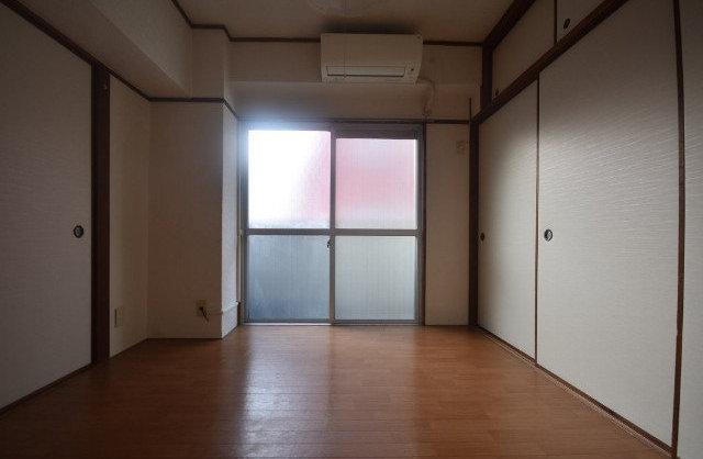 KYOUBUN BLDの内観