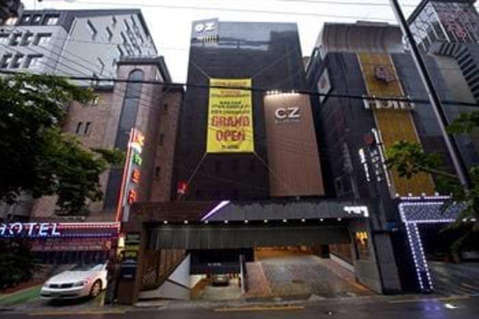 EZ ホテル