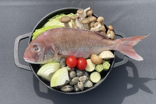 【要予約】白身魚と国産アサリの白ワイン蒸し 〆はパスタ