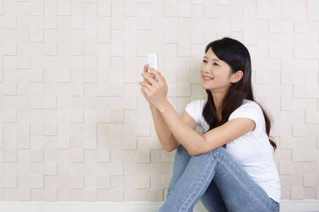 iphone操作女性