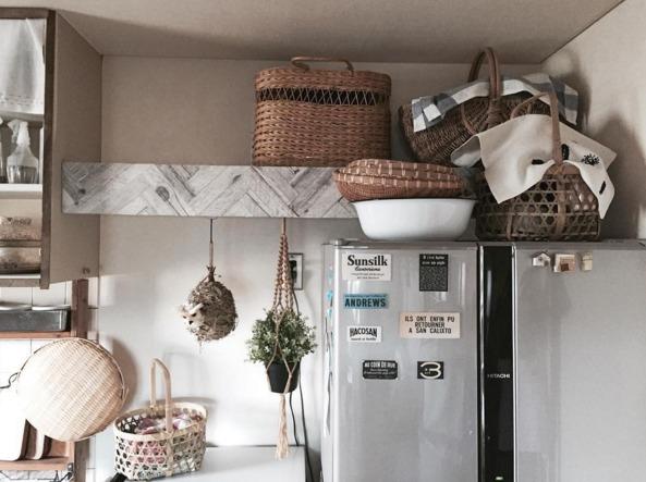 突っ張り棒で作るキッチンの隙間収納