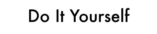 Futuraで書かれたDo It Yourselfの文字