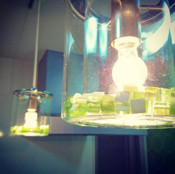 電球の装飾に使っているガラスタイル