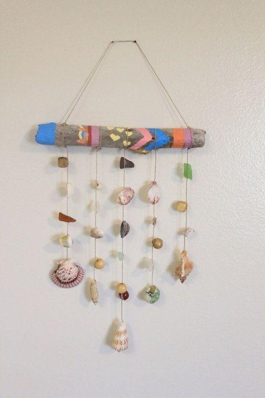 流木と貝がらで作った壁掛け雑貨