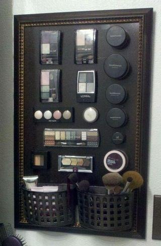 化粧品をマグネットボードで整理整頓