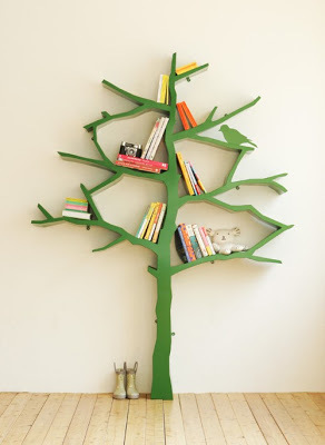 本を片付けられる壁面収納