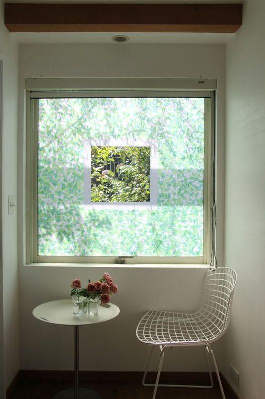 マスキングテープで装飾した窓