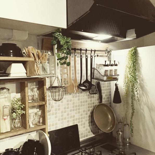 タイルシートと魅せるキッチン収納