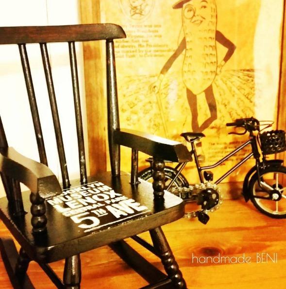 椅子に貼ったステンシルシール