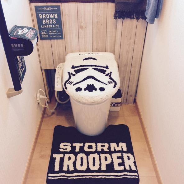 スターウォーズのトイレカバー&タンクレス風トイレ