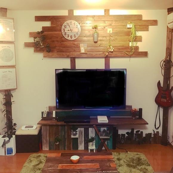 ディアウォールを使ってテレビを壁に配置