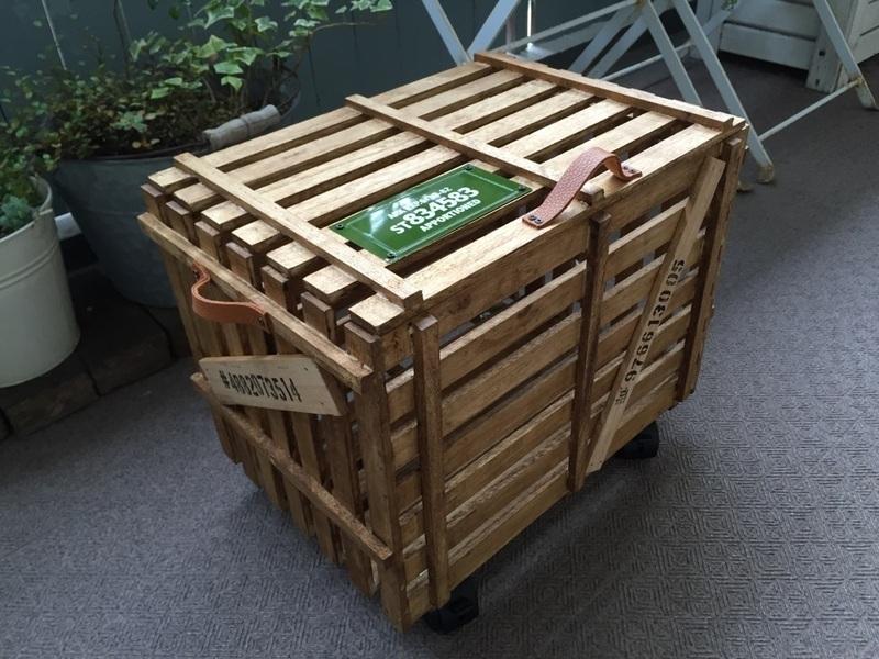 すのこで貨物のようなカッコイイ収納BOX