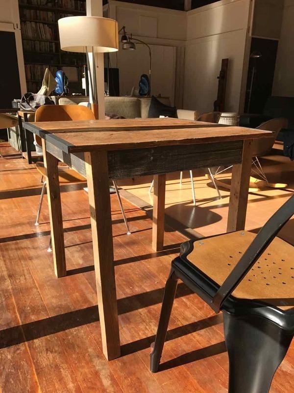古材で作るテーブル