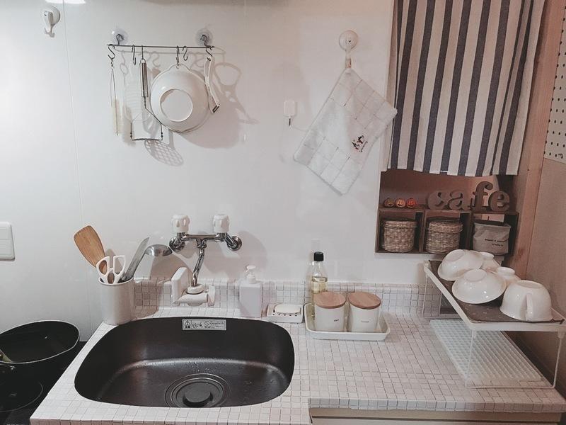 真っ白なナチュラル風キッチン