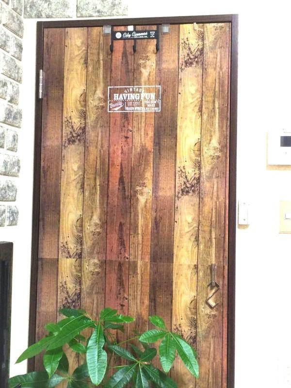 押入れの扉を男前にイメージチェンジ