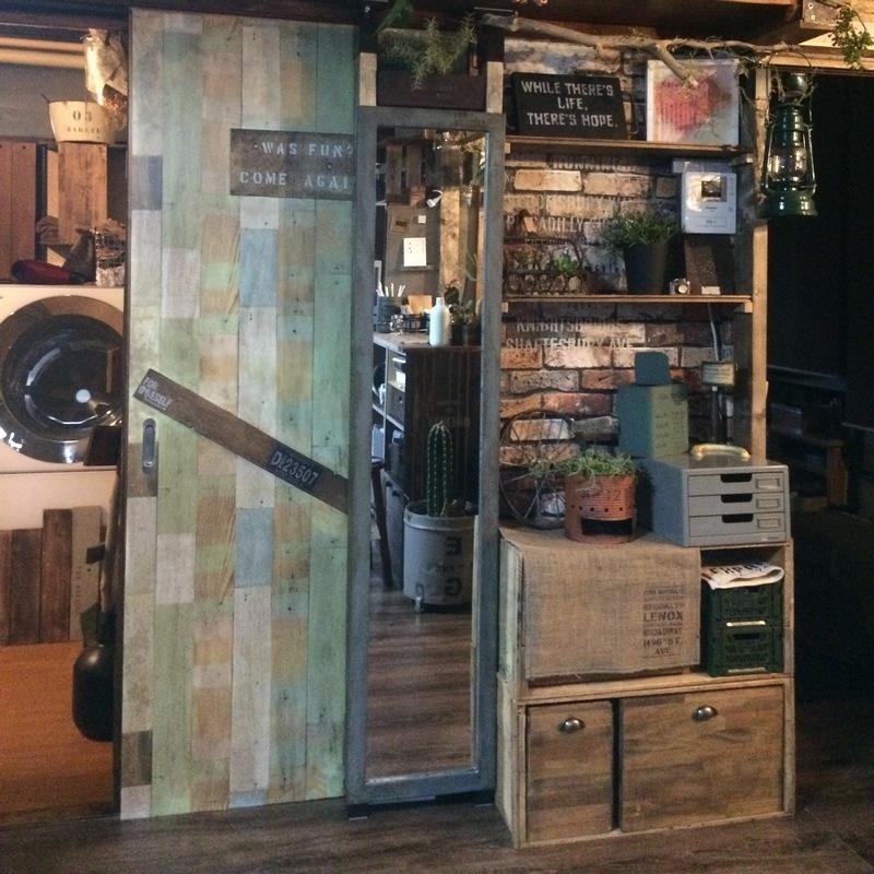 ラブリコとリンゴ箱で飾り棚DIY