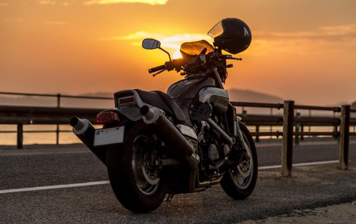 バイク運転イメージ