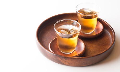 コップに入った麦茶