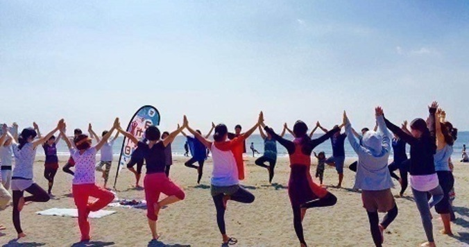 9月22日は「ヨガの日」!鎌倉材木座のビーチヨガに参加しました