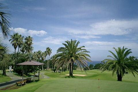 あふれる緑に癒される。一度はラウンドしたいゴルフコース3選〜九州編