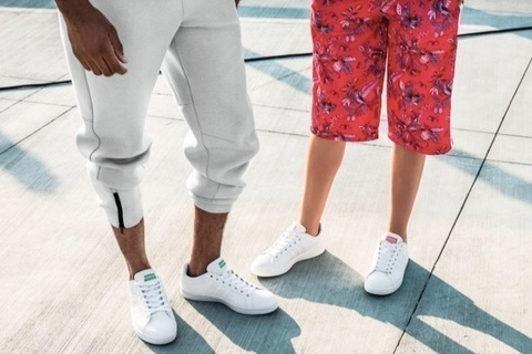adidasから履き心地抜群のスニーカー「CLOUDFOAM VALCLEAN」が新登場。ウィメンズモデルは2色