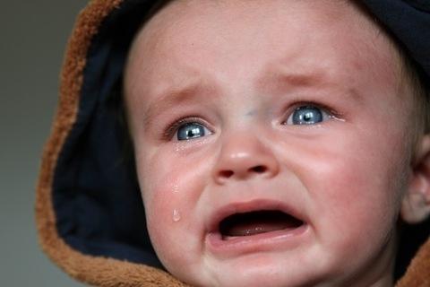 電車で赤子が安心して泣けない国は発展しない【小野美由紀】