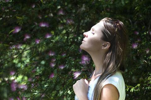 フランス女性に学ぶ「目的別」のオイル美容