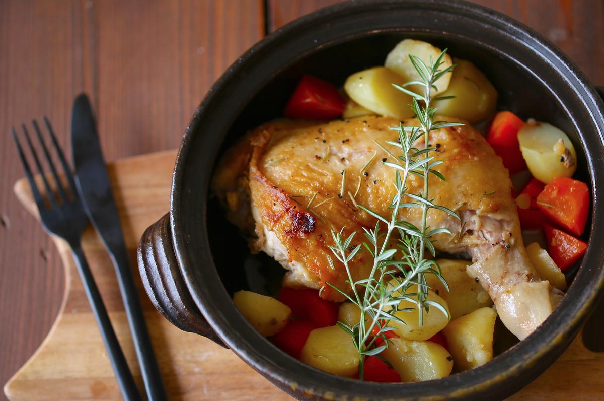 「土鍋ローストチキン」をクリスマスに作ろう! オーブンいらずの簡単・美味メニュー
