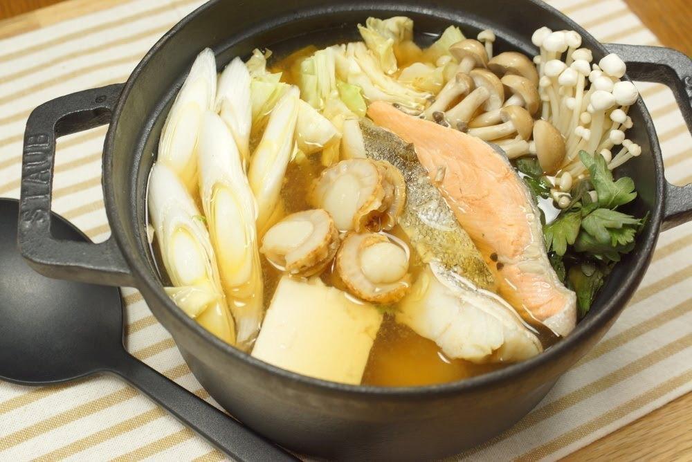ちゃんこ鍋は美容食。10分で作れる簡単レシピ(塩、味噌