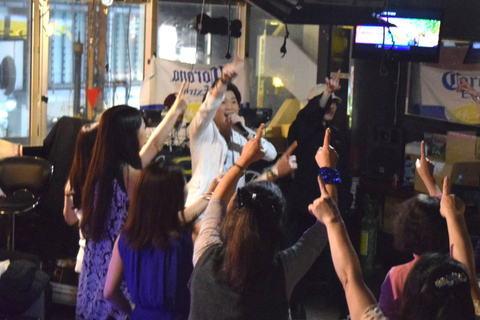イケメンが歌い上げる昭和の名曲。ビール部第4回「ディスコナイト」をレポート
