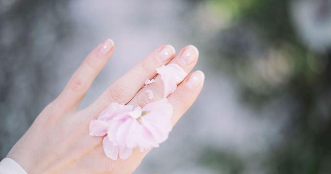きれいな手&爪は、高価なアイテムより「塗る頻度」が9割