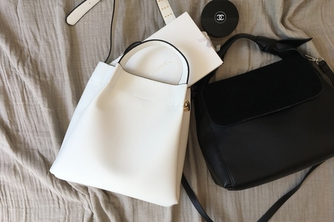 バッグとシューズの色を合わせると、朝のコーデに悩まなくてラクになります