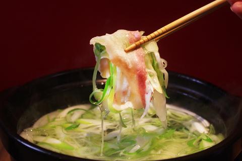 極上の豚をリーズナブルにいただいて。「南の島豚の葱しゃぶ」が美味しすぎる【宮崎ごはん#4】