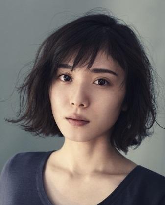 松岡茉優が初めて魅せる、すっぴん素肌美