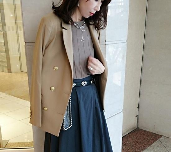 GUのダブルブレストジャケットが優秀。絶妙な丈感、色合いが使いやすい