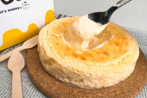 混ぜると「とろとろ」に。味が変わる不思議なチーズケーキ