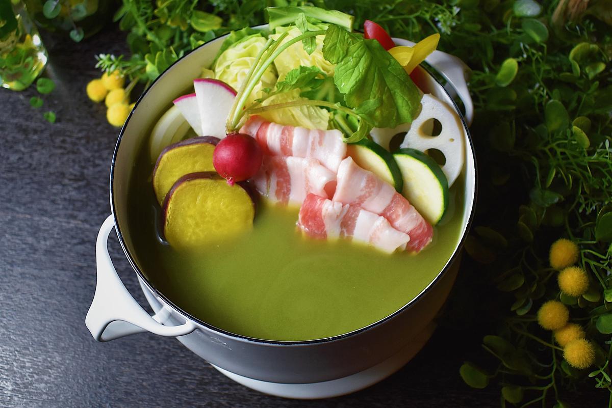 「イタリアン ケール鍋」が新登場。キューサイの青汁×豆乳スープが新感覚!