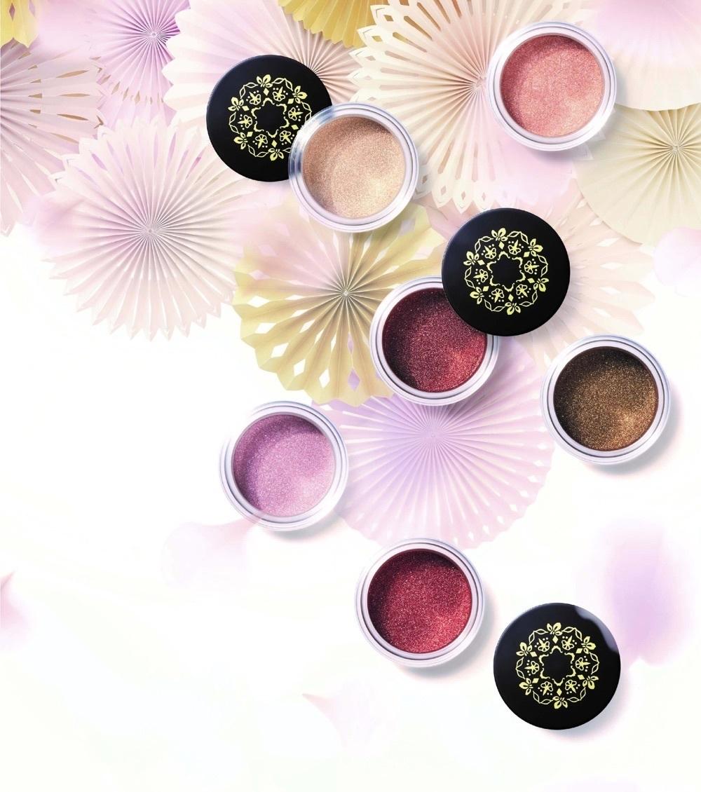 金箔の輝きがアイシャドウに。@cosme nipponから春新色が登場