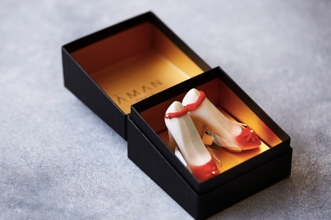 苺とシャンパンが香る。ロマンチックなハイヒール型チョコレート