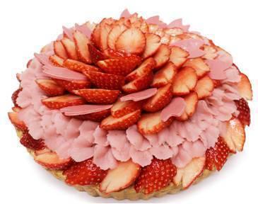 いちご×桜あんクリームの「いちごと桜のケーキ」他、さくらスイーツが勢揃い!