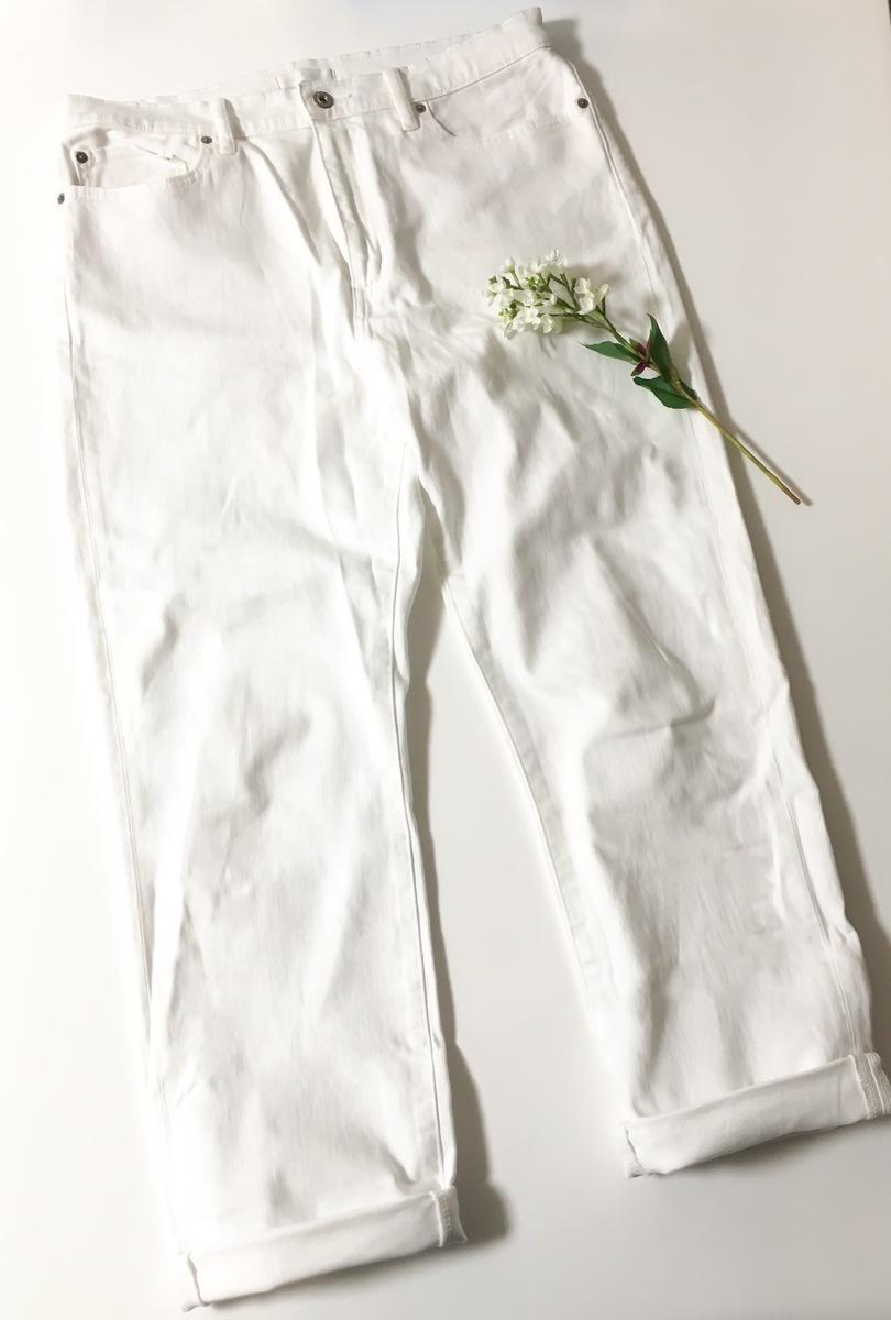 白デニムはきれいめの鉄板アイテム