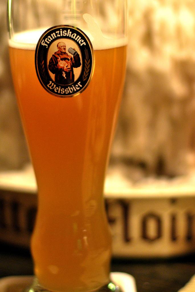 たっぷりドイツに浸るなら、ビールはかかせませんね〜|「ドイツ映画が面白い!おすすめのドイツ映画はコレ!」の1枚目の画像